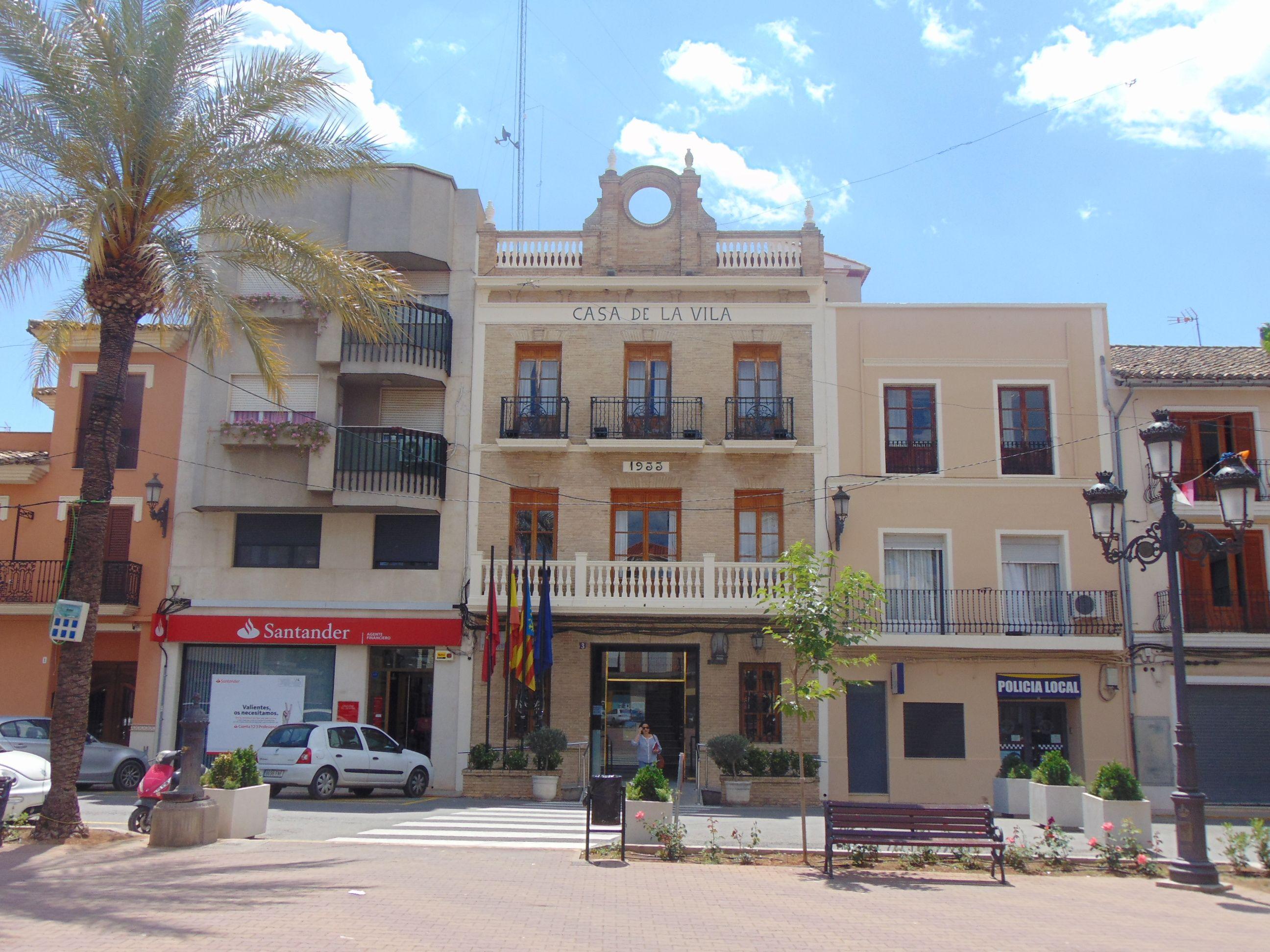 L'Ajuntament d'Alcúdia de Crespins impulsa la cultura local amb la creació d'un cinema d'estiu