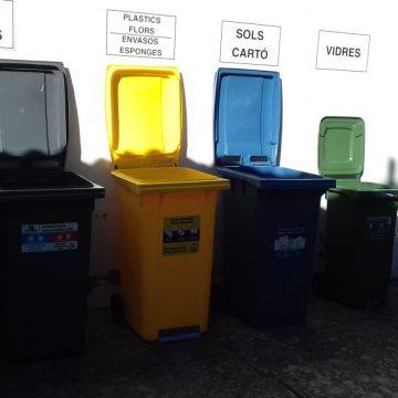 Ròtova promou el reciclatge al cementeri