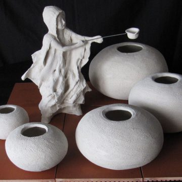 Sant Marc de Gandia acull una exposició d'escultures inspirada en el pintor Segrelles