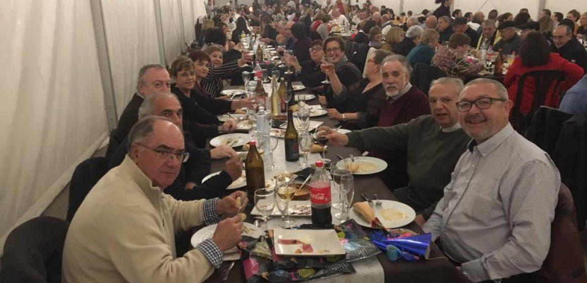 Veïns de El Real de Gandia acomiaden el 2018 amb una festa
