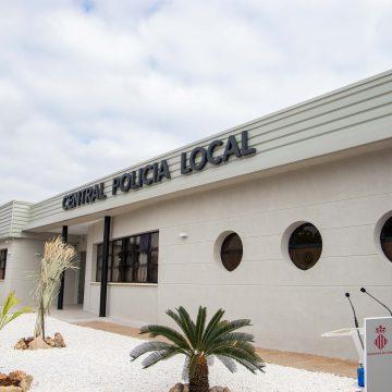 Cullera obri la Central de la Policia i posa fi a la precarietat de la vella caserna