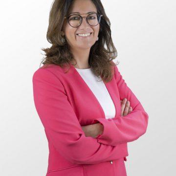 Eva Palomaresi Ana Penalba acompanyen Isabel Bonig en la llista del PP a les Corts