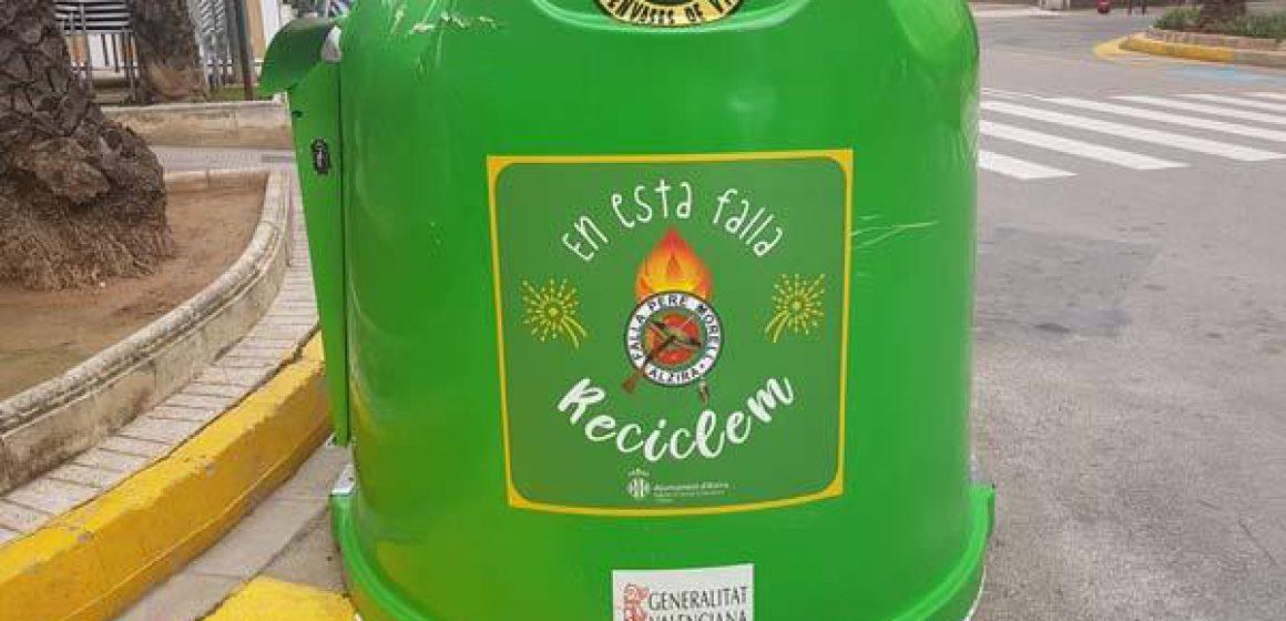 Alzira instal·larà 700 papereres de cartó i iglús per al vidre en Falles