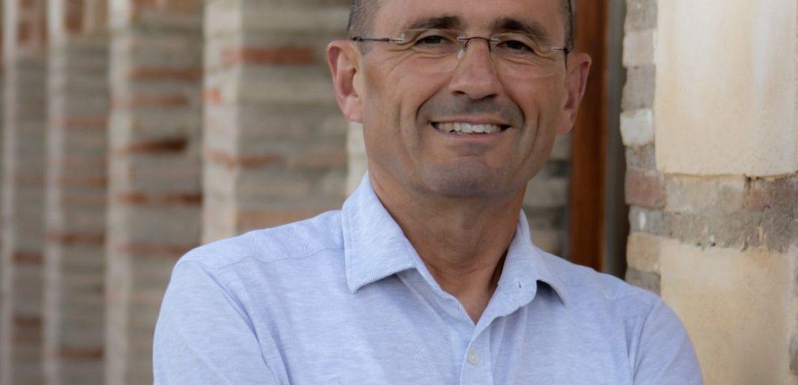 Toni García, candidat a l'alcaldia de Ròtova, recolza als empresaris del municipi i la conciliació de la vida laboral i familiar amb l'Escoleta