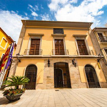 Cullera renova el servei gratuït d'orientació jurídica per evitar desplaçaments