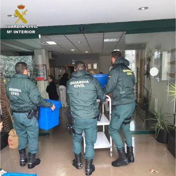 Guàrdia Civil porta medicines a 150 malalts crònics d'Alcoi afectats pel temporal