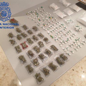 La Policia Nacional deté sis persones per tràfic de drogues i intervé 800 grams de cocaïna