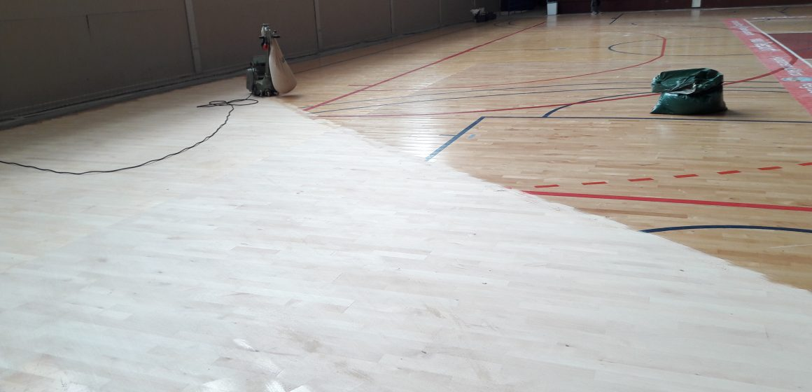 S'inicien les tasques de reparació del Pavelló Mutualidad de Levante després del pas del temporal Gloria