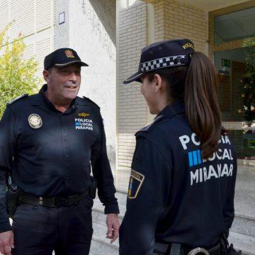 La Policia Local de Miramar estrena uniformes fets amb plàstic recollit de la mediterrània