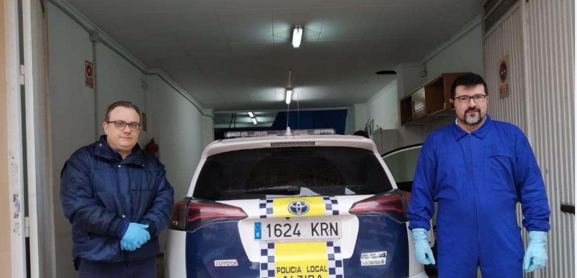 Lavanderia Alzira desinfecta els vehicles de policia de forma desinteressada i s'ofereix a Algemesí, Xàtiva i Ontinyent