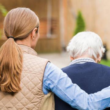 Alzira atén a 100 veïns al dia en el servei d'atenció domiciliària
