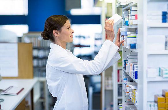 Les farmàcies porten les medicines a casa: 900 36 22 36