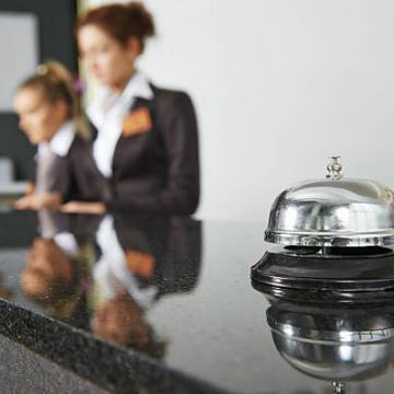 Cullera donarà una ajuda de 100 euros per plaça als hotels per pal·liar les pèrdues