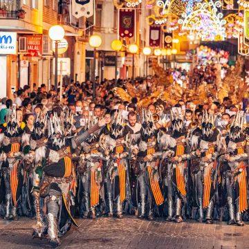 La Federació de Moros i Cristians d'Oliva suspèn les festes de 2020