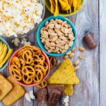 Grefusa i Creu Roja reparteixen snacks a 3.800 famílies vulnerables