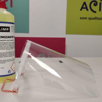 Alcoi entrega pantalles de protecció individuals i desinfectant a tots els comerços