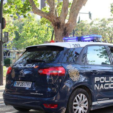 La Policia Nacional deté a Xàtiva un home que acabava d'agredir a un altre durant una discussió