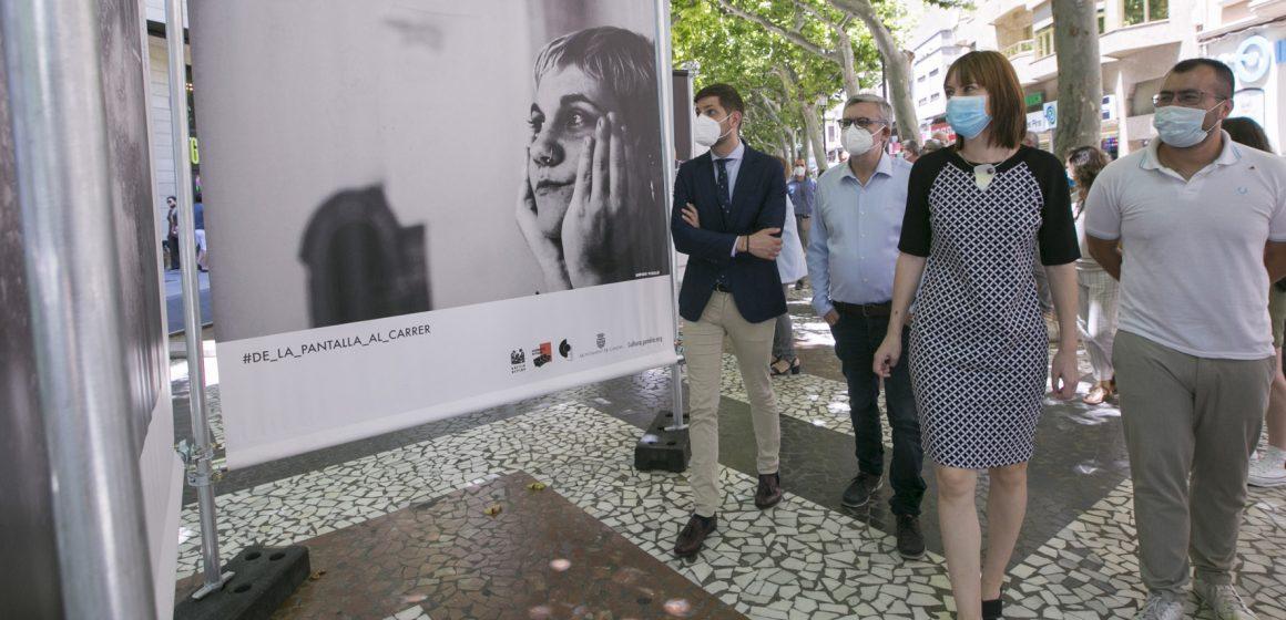 El passeig de Gandia s'ompli d'imatges des del confinament