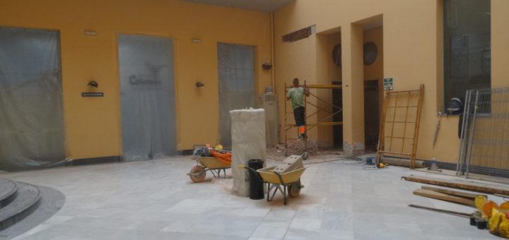 En marxa les obres de millora de l'accessibilitat a la Casa de Cultura de Xàtiva