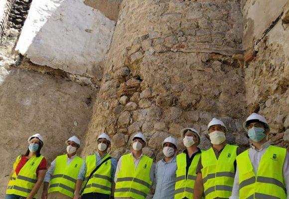Apareixen restes de la muralla de la Vila en les obres de restauració del Palau d'Oliva