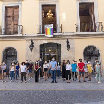 Cullera contracta 30 estudiants per a l'estiu