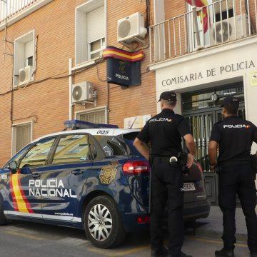 La Policia Nacional ha detés a Alcoi a una persona per agredir amb un ganivet al seu veí