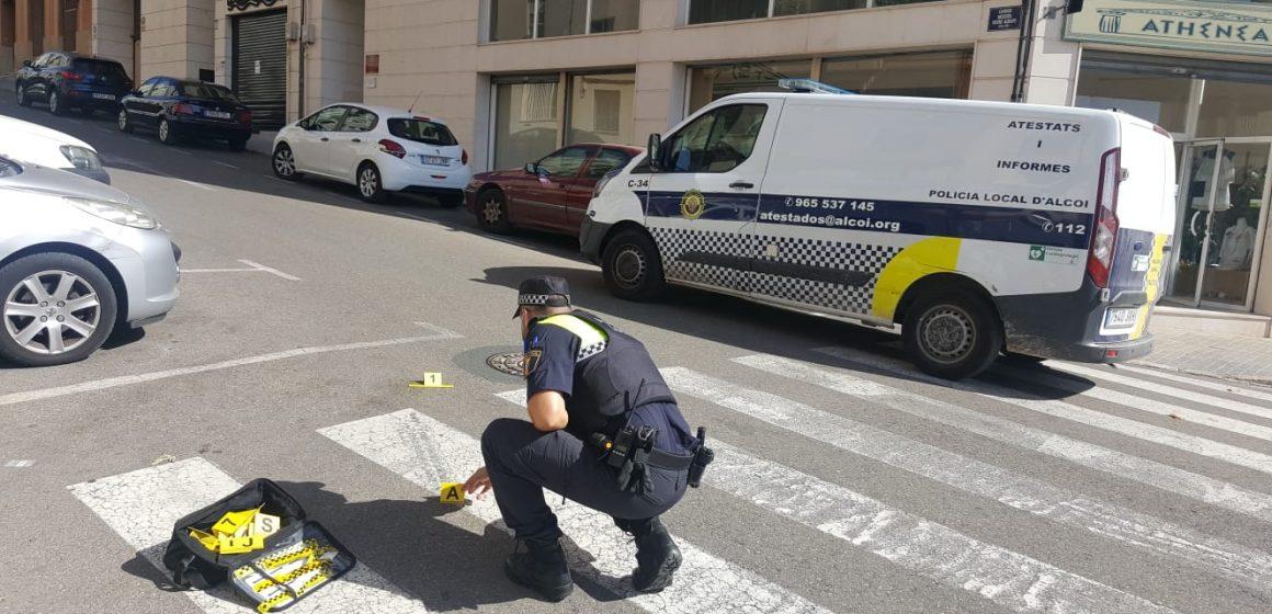 Les càmeres de control municipal de trànsit possibiliten la identificació de l'autor d'un atropellament a Alcoi