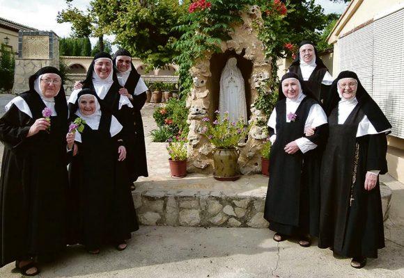 Al·luvió de peticions al monestir de les Agustines Descalces de Benigànim perquè resen i allunyen la Covid-19