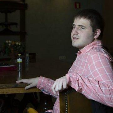 Un jove de Cullera es converteix en la primera persona cega en aprovar les oposicions a les Carreres Judicial i Fiscal