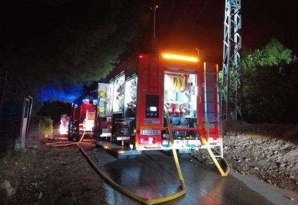 Es declaren tres incendis presumptament intencionats la passada nit a Alzira