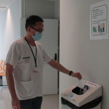 El departament de salut de Gandia recorda la importància de no tirar mascaretes a la via pública