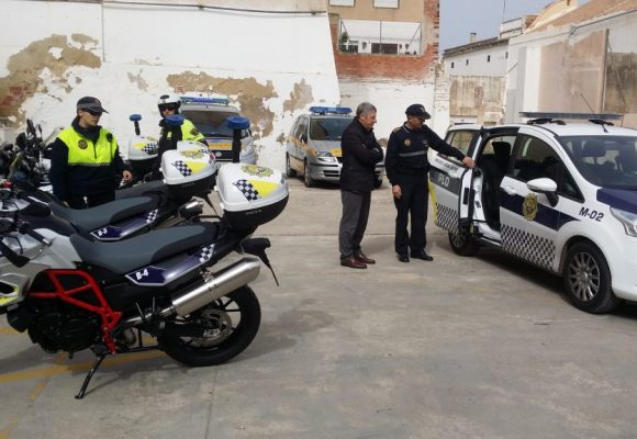 Oliva rep 66.000 euros de la Generalitat per a la compra de vehicles de policia híbrids