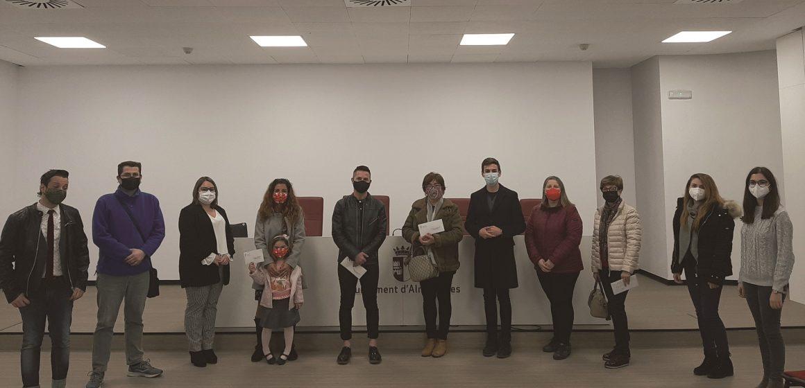 Almussafes reparteix 900 euros en premis amb el I Concurs 'Junts il·luminem el Nadal'