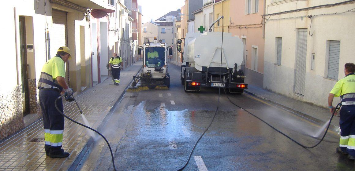 La nova contracta de neteja viària d'Ontinyent amplia hores de servei i espais a netejar