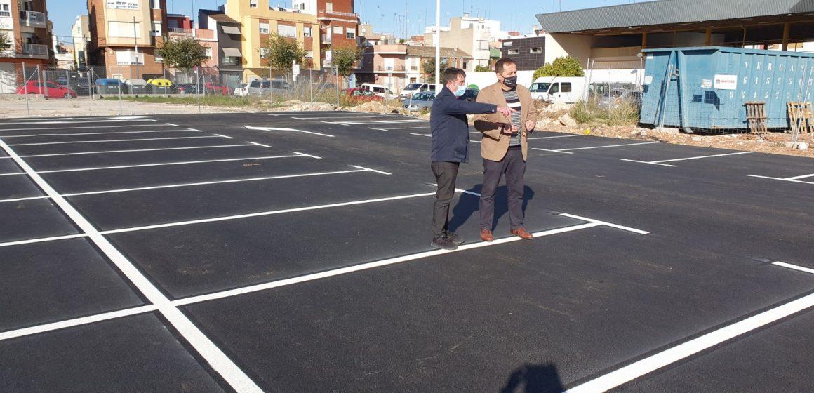 Sueca obri un nou aparcament públic junt a l'edifici de la Policia Local