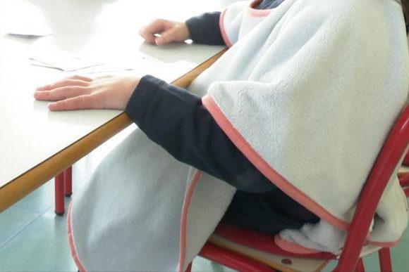 Simat repartirà la manta-escola a l'alumnat del CEIP Valldigna