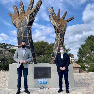 Cullera estrena una escultura per simbolitzar la resistència i els valors democràtics