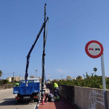 Xeraco inicia la segona fase del carril bici amb la il·luminació entre la platja i la Torre de Guaita