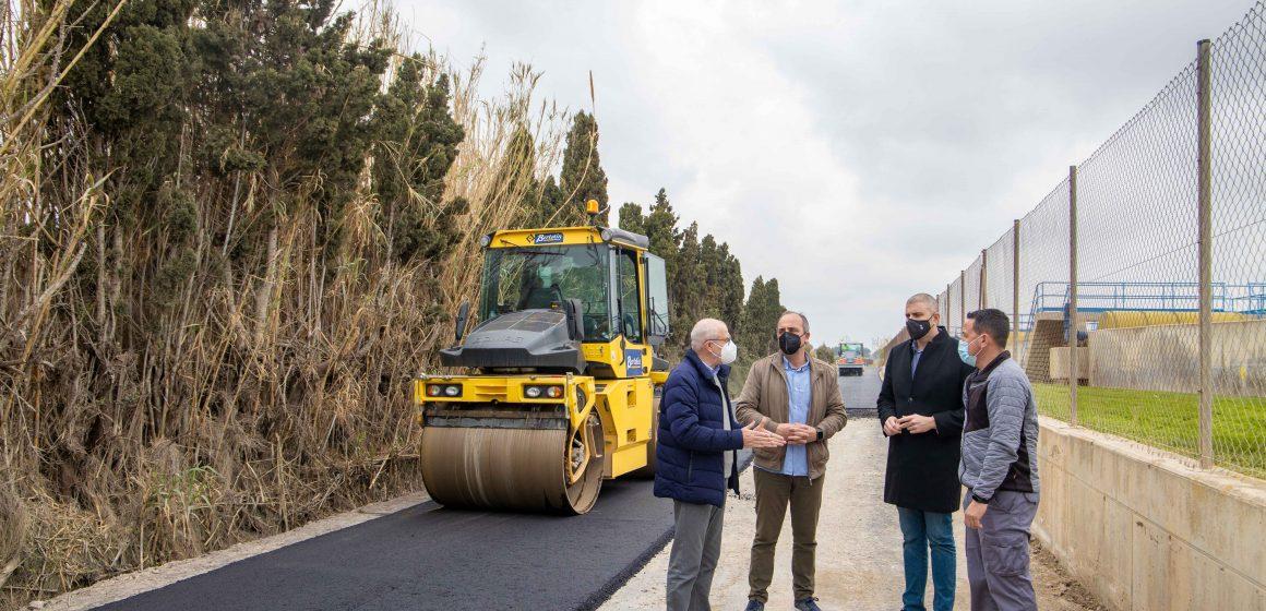 Cullera continua amb les obres d'asfaltat de camins rurals