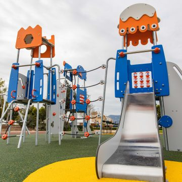 Cullera remodela per complet la zona de jocs del parc del Bulevar del Xúquer