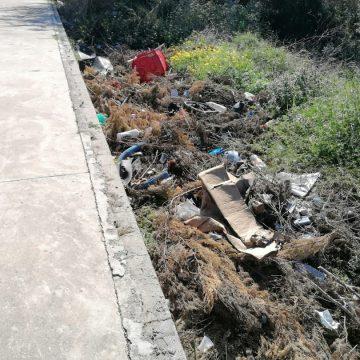 La Policia Local denúncia diverses persones per activitats en la via pública relacionades amb residus tòxics