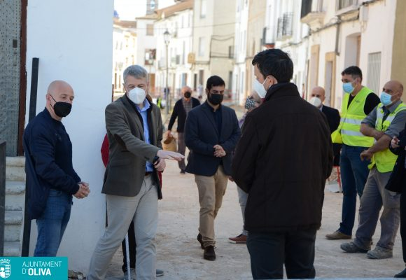 Les obres de renovació urbana del carrer Sant Vicent a Oliva avancen a bon ritme