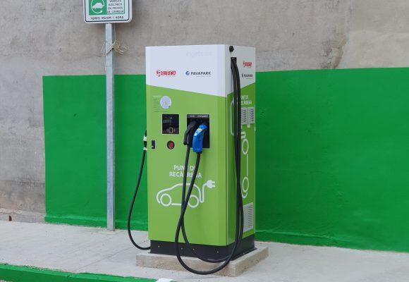 L'Ajuntament de Sueca ofereix quatre punts de càrrega gratuïta per a vehicles elèctrics