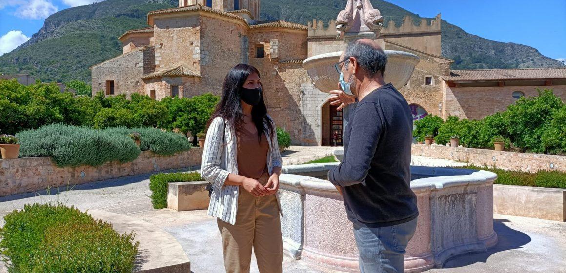 La diputada Naiara Davó visita Simat de la Valldigna