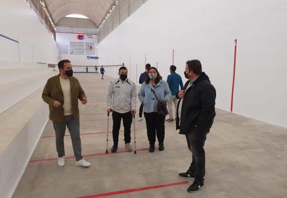 L'Ajuntament de Sueca realitza treballs d'adequació en el Trinquet Municipal