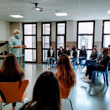 La poesia arriba als instituts d'Alzira