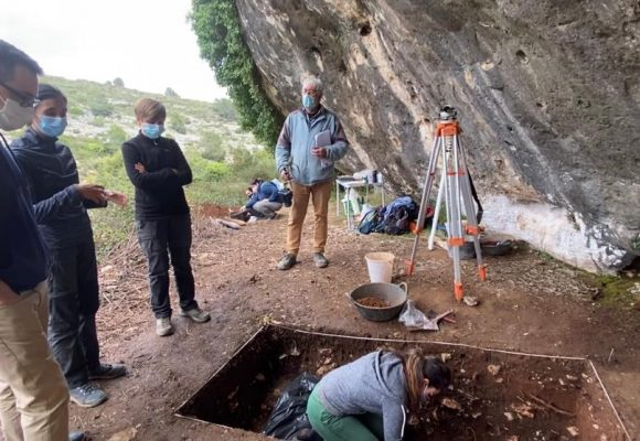 Ontinyent investiga la presència de restes del Paleolític a la cova i l'abric de l'Hedra