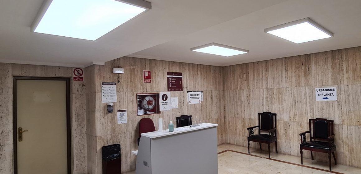 La substitució de punts de llums en dependències municipals estalviaran 5.500 euros anuals