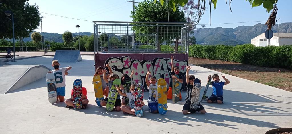 Acaba el curs de Skate i Grafitti a Simat de la Valldigna