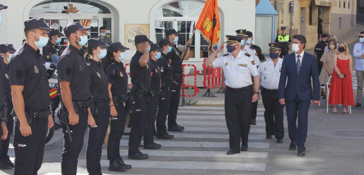 La Plaça Major d'Ontinyent acull l'acte de lliurament del bastó de Comandament de la Policia Nacional